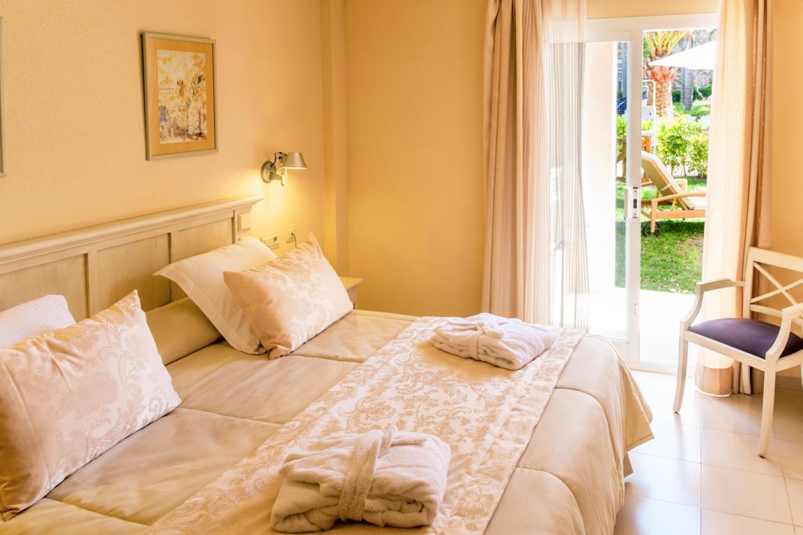 2015-04-BLUE Apt Privilege VPiscina Bedroom