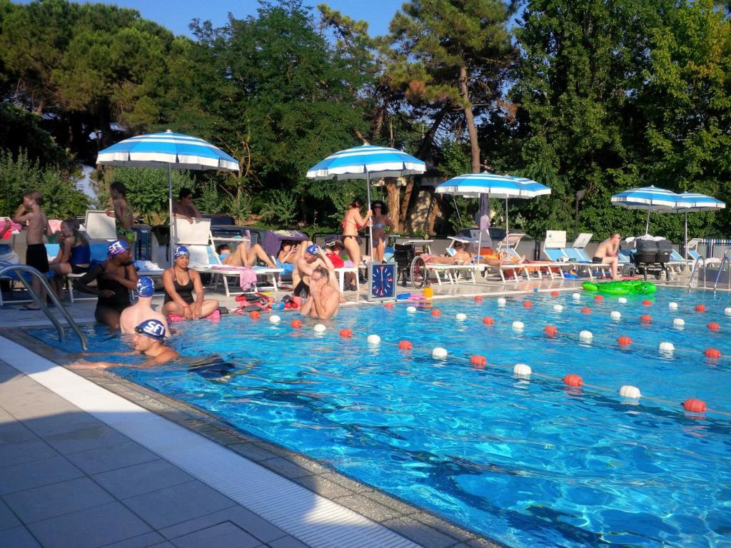 Vor allem im Frühling treffen sich Triathleten aus zahlreichen europäischen Ländern im beheizten 25-Meter-Pool des Hotels Beau Soleil (Foto: sic)