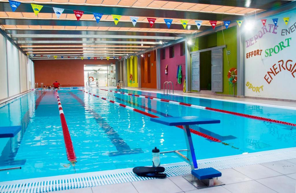 Überdachter 25--Meter-Pool im Club Santa Rosa. (Foto: Club Santa Rosa)