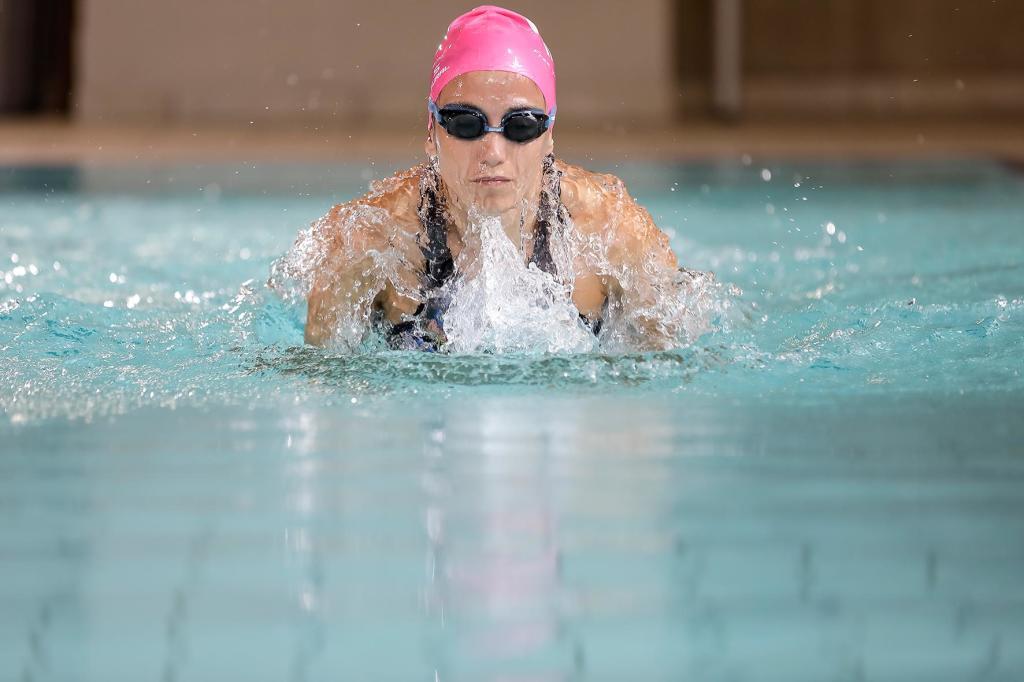 Im beheizten 25-Meter-Sportbecken läßt sich wunderbar an der Schwimmform arbeiten. (Foto: Sportresort Hohe Salve)
