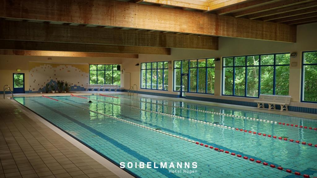 Der beheizte 25-Meter-Innenpool macht das Soibelmanns Sporthotel Rügen für Triathleten ganz besonders attraktiv. (Foto: Soibelmanns)
